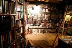 anarttoeverything:    Third floor of the Shakespeare & Co. bookstore, Paris