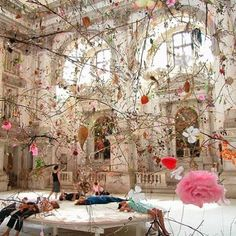 'falling garden' installation by Gerda Steiner & Jörg Lenzlinger, 2003 for the Venice Biennale within the Church of San Stae on the Grand Canal. 🌸🌸🌸🌸💕🐚