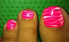 pretty toe nails...next pedi this is what I'm doin.