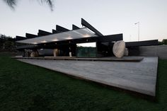 Completed in 2007 in Santiago, Chile. Images by Gonzalo Puga. This Project won a public competition convoked by the Municipality of Vitacura in Santiago in 2005 for a restaurant in Las Américas Park. Famous Architects, Built Environment, Pavilion, Interior Architecture, Architecture Sketches, Architecture Details, Landscape Architecture, Facade, Exterior