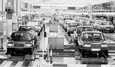 Vintage assembly line picture... I think this must be from about 1984, since there are W201s and W123s side-by-side.