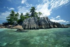 Enjoy this Kenya and Seychelles Package for a perfect mix of adventure and beachside luxury. Call our travel specialists to plan your handcrafted journey. Voyage Seychelles, Les Seychelles, Seychelles Islands, Vacation Destinations, Dream Vacations, Tumblr Travel, Excursion, Paradise Island, Mauritius