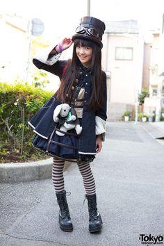 cute girl in lolita x steampunk style. Participants in the Harajuku Fashion Walk That's an adorable hat Fashion Walk, Tokyo Fashion, Harajuku Fashion, Kawaii Fashion, Lolita Fashion, Kids Fashion, Estilo Harajuku, Harajuku Mode, Harajuku Girls