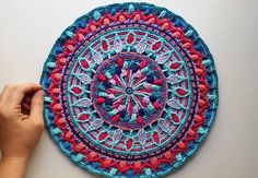 Jeez Louise I'm really gonna miss this one Dandelion Mandala pattern by @lillabjorncrochet #crochetersofinstagram #crochet #moderncrochet #hekle_inspo #crochetmandala #mandala #fiberart #textileart #yarnaddict #bohemiandecor #wallhanging #mo