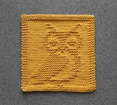 Knit Dishcloth OWL - Hand Knitted Unique Design - Gold Cotton Dish Cloth or Wash Cloth - Shower Hostess Gift, Mountain Lodge DecorAunt Susan's Closet is your source for unique handmade dishcloths, baby wash cloths, and DIY dishcloth knitting patterns Baby Knitting Patterns, Knitted Dishcloth Patterns Free, Knitting Squares, Knitted Washcloths, Owl Patterns, Knitting Stitches, Free Knitting, Simple Knitting, Crochet Dishcloths