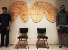 Mapamundi maquinado en madera-  Diseño Ignacio Stesina para Agencia Sintagma