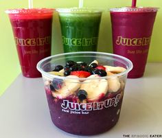 Blogger The Episodic Eater visits Raw Juice Bar Juice It Up! in Huntington Beach, California.