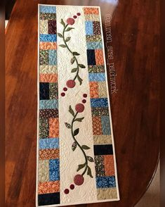 Quilted Table Runner Floral Handmade Home by PatchworkMountain Patchwork Table Runner, Table Runner And Placemats, Table Runner Pattern, Quilted Table Runners, Patchwork Quilt Patterns, Barn Quilt Patterns, Applique Quilts, Big Block Quilts, Small Quilts