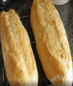Crusty Italian Bread makes 2 loaves 1 cups warm water 2 teaspoons yeast 1 Tablespoon brown sugar 1 teaspoons salt 1 teaspoons olive oil 4 cups flour Directions:   Place warm water, yeast and brown sugar in mixing bowl. Crusty Italian Bread Recipe, Italian Bread Recipes, Easy French Bread Recipe, Easy Bread, Crusty Bread Recipe Quick, Homemade French Bread, Italian Foods, Hero Bread Recipe, Food Recipes