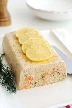 "Easy fish terrine - Stephanie Gallais - - Terrine de poisson facile offers the recipe ""Terrine fish easy"" rated / 5 by 148 voters. Easy Fish Recipes, Veggie Recipes, Low Carb Recipes, Snack Recipes, Cooking Recipes, Snacks, Fish Batter Recipe, Food Porn, Gastronomia"