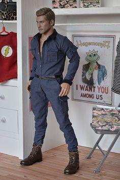 1/ 6 scale Hot Toys TTM 19 action figure in custom work jumpsuit