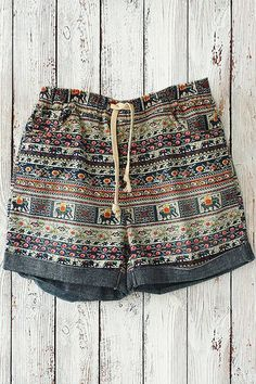 Tiny Floral Elephant Print Shorts COLORMIX: Shorts | ZAFUL