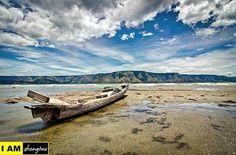 Mountains at Lake Toba.  LIKE my Facebook page & FOLLOW my Instagram 😀😀😀 More photos : https://www.facebook.com/zhengtaotravelphotography/ #traveller #traveling #backpacker #travelling #travel #backpacker #world #ruletheworld #Indonesia #lake #toba #Sumatra #yolo #wanderlust #globetrotter #naturalbeauty #natgeotravel #natgeo #gopro #natgeotravelpic #backpacking #goodlife #instatravel #wonderful_places #yoloswag #photooftheday #nature #ilovetravel #instagram #lake #volcanoes #potd Natural…