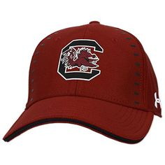 0fd58a68c0b South Carolina Gamecocks Under Armour Blitzing Accent Garnet Fitted Hat -  2018 Sideline Collection