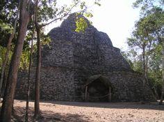 Ruinas de Cobá, de la cultura maya precolombina, México