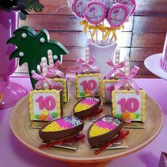 """Festa infantil tema """"Flamingos e Abacaxi"""" para Maria Clara!! Com @buffetmulteventos   Bolo e doces: @onildelucena   #festaflamingo #festaflamingos #flamingoparty #flamingosparty #festaflamingoeabacaxis #festaflamingoseabacaxi #flamingos #flamingoseabacaxi"""