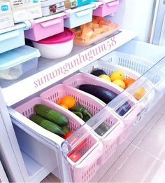 Fridge organizer organization Organization of refrigerator organizersFridge organizer organization Who eats all these clever ways to organize tupperware and food storage containers – convenient and practical kitchen storage design