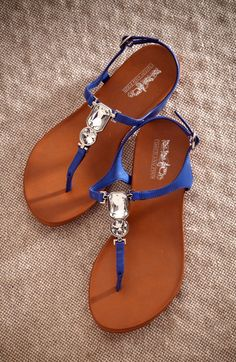 These jeweled royal blue sandals will instantly dress up your look! #jeweledsandals