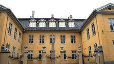 Dere, House Floor Plans, Oslo, Villas, Design Elements, Norway, Architecture Design, Cool Designs, Villa