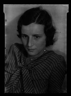 "thephotoregistry: ""Dorothy Harvey, c.1930 Walker Evans """