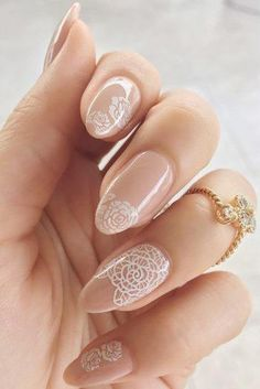 20 Latest Nail Art Designs for Brides - isishweshwe Classy Almond Nails, Fall Almond Nails, Short Almond Nails, Classy Nails, Cute Nails, Short Nails, Diy Nails, Nail Manicure, Trendy Nails