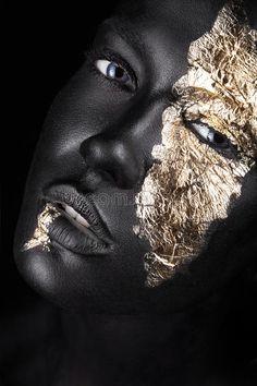 Black And Gold Theme, Body Art Photography, Natural Hair Art, Face Pictures, Dark Skin Girls, Black Women Art, Black Art, Transformers Art, Afro Art