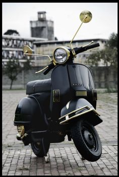 Who is behind the Platónika's Project? Retro Scooter, Lambretta Scooter, Vespa Scooters, Vespa Excel, Classic 350 Royal Enfield, Vespa 150, The Italian Job, Vintage Vespa, Motorcycle Photography