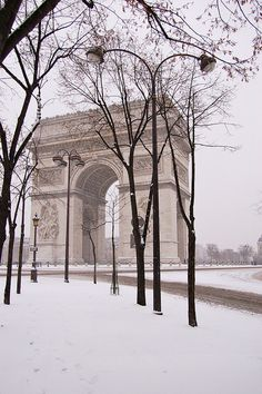 Paris in Winter ~ Arc de Triompe { repinned by www.parisfinds.com }