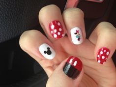 I love Mickey and Minnie Mickey Nails, Pretty Nail Art, Claws, Nail Ideas, Disney, Easy, Summer, Summer Time, Disney Art