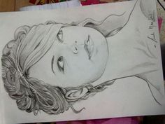 Charcoal portrait of Taylor Swif