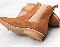 This is a color that you would love, the quality that would be difficult to achieve and when you are wear it, it is something to remember. Mens Shoes Boots, Suede Boots, Suede Leather, Men's Shoes, Dress Shoes, Desert Shoes, Business Casual Shoes, Mens Clothing Styles, Men's Clothing