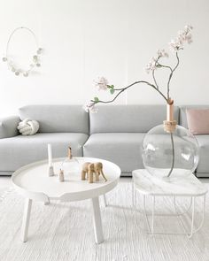 Pastel colors with white provide the perfect color palette for any minimalistic living room. #muuto #newperspectives #scandinaviandesign #minimal #homedecor #interiordesign