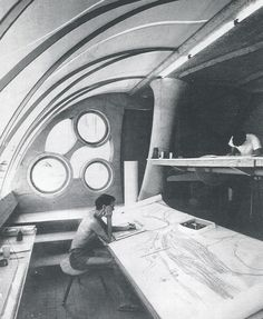 Italian architect Paolo Soleri at work. Inspiration for VX: Business. svbscription.com