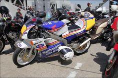 ROAD RIDER: Beautiful Bike! HONDA NSR250R SP Rothmans