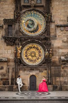 Pre Wedding Best of in Prague: The Astronomical Clock: http://pragueweddingphotography.com