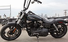 Dark Custom™ Street Bob®   Dark Custom™ Motorcycles   Harley-Davidson USA