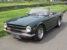 Triumph TR-6 in green