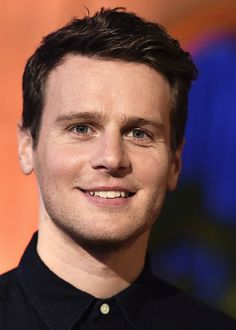 Jonathan Groff attends Disney Pixar's 'Coco' premiere at El Capitan Theatre on November 8, 2017 in Los Angeles, California.