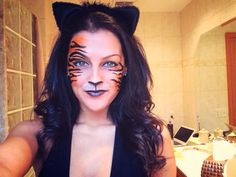 makeup animal Halloween Easy is part of Diy Animal Halloween Makeup Tutorials Tip Junkie - Halloween makeup tiger makeup animal makeup face paint DIY makeup art Tiger Costume Women, Tiger Halloween Costume, Halloween Fotos, Halloween Make Up, Costumes For Women, Halloween Rave, Halloween Festival, Women Halloween, Halloween Christmas