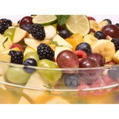 Deserturi simple sau sofisticate pentru evenimente Fruit Salad, Catering, Food, Fruit Salads, Catering Business, Gastronomia, Meals, Yemek, Eten