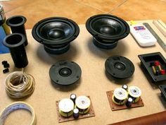 Experience studio quality speakers on a low budget! Build your own HiFi speakers from scratch and hear the difference! This is a great starter project, good enough. Diy Bluetooth Speaker, Speaker Kits, Speaker Plans, Hifi Speakers, Bookshelf Speakers, Audio Amplifier, Hifi Audio, Speaker System, Audiophile