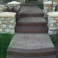 tone Front steps love the concrete stainDiy Concrete Front Steps, Cement Steps, Front Porch Steps, Concrete Porch, Front Walkway, Concrete Stairs, Home Landscaping, Front Yard Landscaping, Courtyard Landscaping