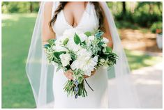 Stunning neutral bridal bouquet | Guin, Alabama | Alabama Wedding | Birmingham Wedding Planner | Becky's Brides All White Wedding, White Wedding Bouquets, Bride Bouquets, Summer Wedding, Wedding Gowns, Wedding Flowers, Wedding Day, My Wedding Planner, Bride Photography