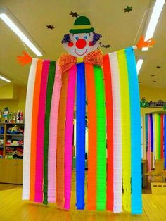 - Basteln - Best Picture For DIY Carnival booth For Your Taste You are looking for something, and it is going to tell y Clown Crafts, Kids Crafts, Circus Crafts, Carnival Crafts, Carnival Themes, Circus Theme, Party Themes, Diy And Crafts, Arts And Crafts