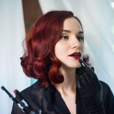 Uncover innovative hair care tips and hints. Dyed Red Hair, Hair Dye, Blue Acrylic Nails, Burgundy Hair, Hair Color And Cut, Retro Hairstyles, Hair Care Tips, Hair Goals, Hair Inspiration