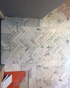 bagni in marmo - Foto di The Ritz-Carlton, Istanbul Room Wall Tiles, Bathroom Wall Cabinets, Bathroom Rug Sets, Bathroom Floor Tiles, Master Bathroom, Bathroom Tubs, Bathroom Ideas, Bathroom Inspiration, Bathroom Vanities