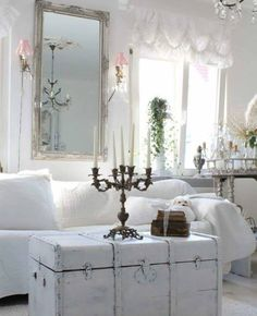 Shabby and Charming: Pure shabby chic Lana Schuster's house