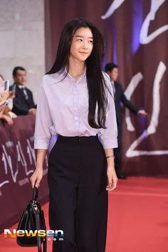깡마른 서예지 영화제 드레스 - Daum 영화