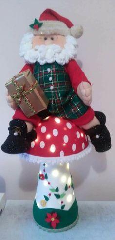 Christmas Wreaths, Christmas Decorations, Christmas Ornaments, Holiday Decor, Elf On The Shelf, Snowman, Santa, Christmas Crafts, Wreaths