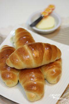 Mis recetas favoritas by Hilmar: panes con poolish Pan Bread, Bread Cake, Bread Recipes, Cake Recipes, Cooking Recipes, Pan Dulce, Tostadas, Hot Dog Buns, I Foods